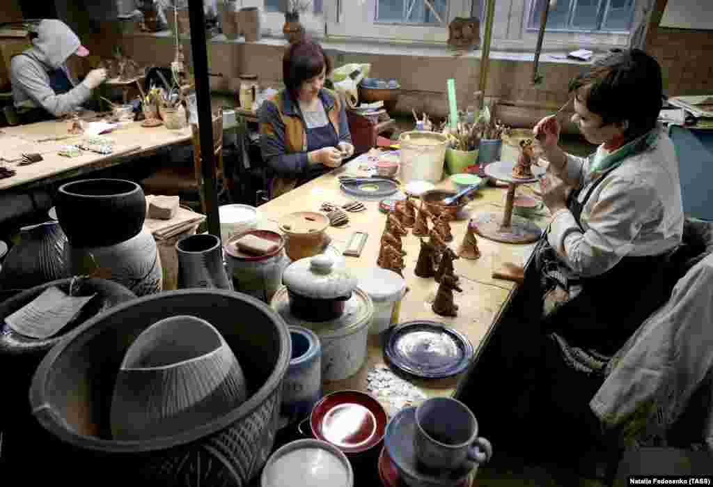 These scenes of ratty genesis were captured inside the Belkhudozhkeramika ceramics factory in the Minsk region.