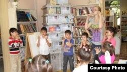Петербурда мигрант балалары өчен рус теле түгәрәге