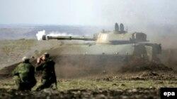 Сепаратисти на «військових навчаннях» біля Донецька, фото 27 березня 2015 року