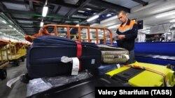 Сортировка багажа в аэропорту Шереметьево