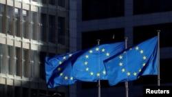 Flamujt evropianë.
