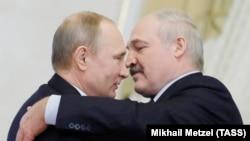 На якім фоне адбываецца сустрэча лідэраў Беларусі і Расеі