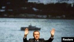 Թուրքիա -- Վարչապետ Ռեջեփ Էրդողանը Ստամբուլում նախընտրական հանդիպում է անցկացնում իր կողմնակիցների հետ, 27-ը ապրիլի, 2011թ.
