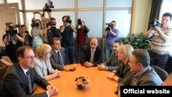 Лидерите на опозициските партии