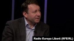 Igor Munteanu în studioul Europei Libere la Chișinău