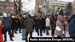 Професорскиот и Студентскиот пленум пред Собранието на Република Македонија отворено заседаваат за најавените реформи во високото образование.