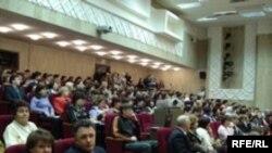 IV Бөтендөнья татар конгрессы корылтаена Казан делегатлары