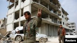 Курдские бойцы в Кобани, Сирия, январь 2016 года.