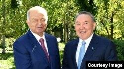 Президент Узбекистана Ислам Каримов (слева) и президент Казахстана Нурсултан Назарбаев. Ташкент, 14 апреля 2016 года. Фото с сайта akorda.kz