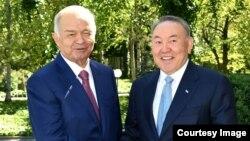 Қазақстан президенті Нұрсұлтан Назарбаев (оң жақта) пен Өзбекстан президенті Ислам Каримов. Ташкент, 14 сәуір 2016 жыл.