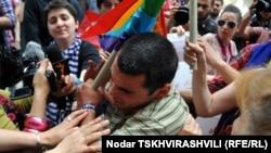 Шестеро избитых, один из которых в больнице с сотрясением мозга – таков итог неудавшегося шествия, посвященного борьбе с гомофобией