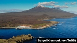Остров Итуруп Курильской гряды.