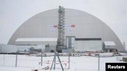 Новый саркофаг над аварийным энергоблоком ЧАЭС