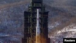 موشک اونها -۳ (راه شيری-۳) کره شمالی در دوازدهم دسامبر از سکويی در استان پيونگان به فضا پرتاب شد.