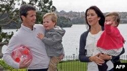 Семья датского кронпринца Фредерика немного похожа на среднестатистическую: супруги женаты 5 лет, детей - двое