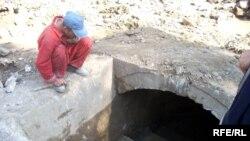 Tuneli aşkarlayan fəhlələr qədim keçidlə ancaq 150 metrə qədər gedə biliblər