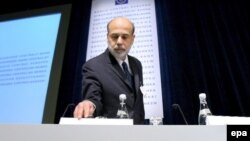 Главе ФРС США Бену Бернанке предстоит выбирать между скорой рецессией и рецессией отложенной