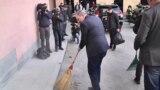 Премьер-министр Армении Никол Пашинян принимает участие в общегосударственном субботнике, 23 марта 2019 г.