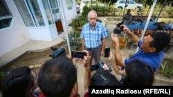 Мехман Алиев, директор азербайджанского информационного агентства Turan, после перевода под домашний арест.