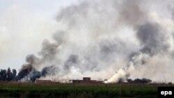 سربازان ارتش عراق و شبههنظامیان شیعی روز چهارشنبه از شمال و جنوب تکریت وارد این شهر شدند.