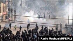 Силовики проводять операцію зі звільнення перехрестя у Ісламабаді від протестувальників, 25 листопада 2017 року