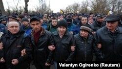 У Нових Санжарах хочуть зірвати повернення українців із Китаю, 20 лютого 2020 року