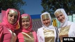 Әстерхандагы татар кызлары