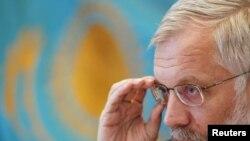 Григорий Марченко, Ұлттық банк төрағасы. Алматы, 7 желтоқсан 2010 жыл