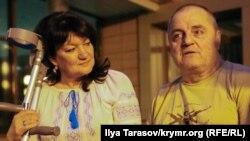 Эдем Бекиров с женой Гульнарой после освобождения