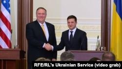 Государственный секретарь США Майк Помпео (слева) и президент Украины Владимир Зеленский. Киев, 31 января 2020 года.