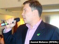 «Руханият» экологиялық партиясының төрағасы Серікжан Мәмбеталин.