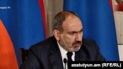 Премьер-министр Армении Никол Пашинян дает пресс-конференцию в Национальной картинной галерее, Ереван, 8 мая 2019 г.