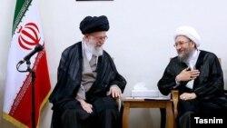 چرا علی خامنهای به شدت از قوه قضائیه دفاع میکند؟