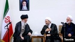 Iran's Ayatollah Khamenei meeting head of Judiciary Sadeq Amoli Larijani (center), and his deputy, in Tehran, 29 Jun 2016-- Iran