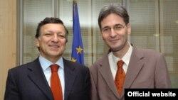 Jose Manuel Barroso cu Leonard Orban la Bruxelles.