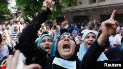 Eгипет -- Бийликтен кулатылган президент Мухаммед Мурсинин тарапкерлери. Каир, 16-август, 2013.