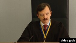 Cуддя Владислав Дев'ятко оголосив, що нинішній адвокат Максим Герасько не здатний захищати підсудного