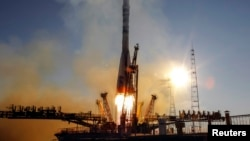 """Байқоңыр ғарыш айлағындағы """"Союз ТМА-11М"""" зымыран тасығышы. Қараша, 2013 жыл. (Көрнекі сурет)."""