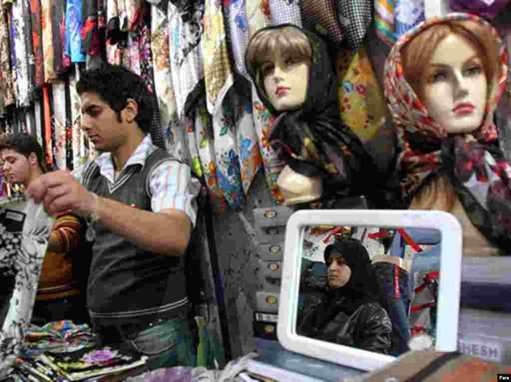 لباس فروش ها هم اوقات پر رونقی را پشت سر می گذارند.