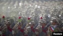 İran ordusunun hərbi paradı