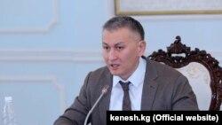 пратеникот Ишак Пирматов