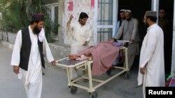 Пакистан тараптан жаракат алгандар ооруканага жеткирилди. 5-май, 2017-жыл.
