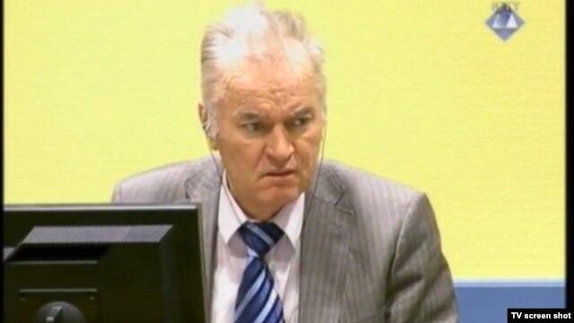 Ratko Mladić u sudnici 11. siječnja 2013.