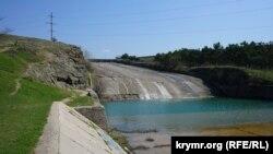 Спускання води у Сімферопольському водосховищі, 30 березня 2017 року