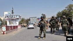 Kunduz is in the Afghan government's hands, while the Taliban control most of the surrounding districts. (file photo)