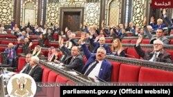 Члены Народного совета Сирии голосуют за принятие резолюции, осуждающей и признающей «геноцид, совершенный в отношении армян Османской империей в начале 20-го века». Дамаск, 13 февраля 2020 года.