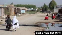 Архива: Талибански знамиња во провинцијата Кундус. 04.04.2018