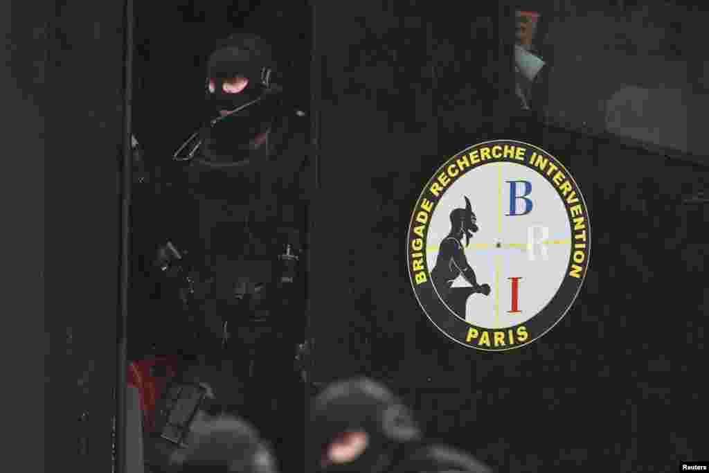 В Франции приняты повышенные меры безопасности после нападения террористов на редакциюCharlie Hebdo