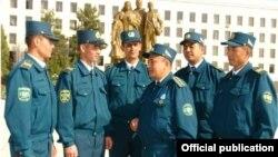 Ўзбекистон милиционерлари.