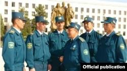 Өзбекстандык милиция кызматкерлери
